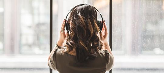 5 livres audio à écouter pour s'endormir moins bête