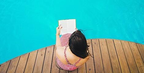 3 romans à lire au bord de la piscine